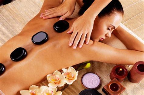masaje-de-piedras-calientes